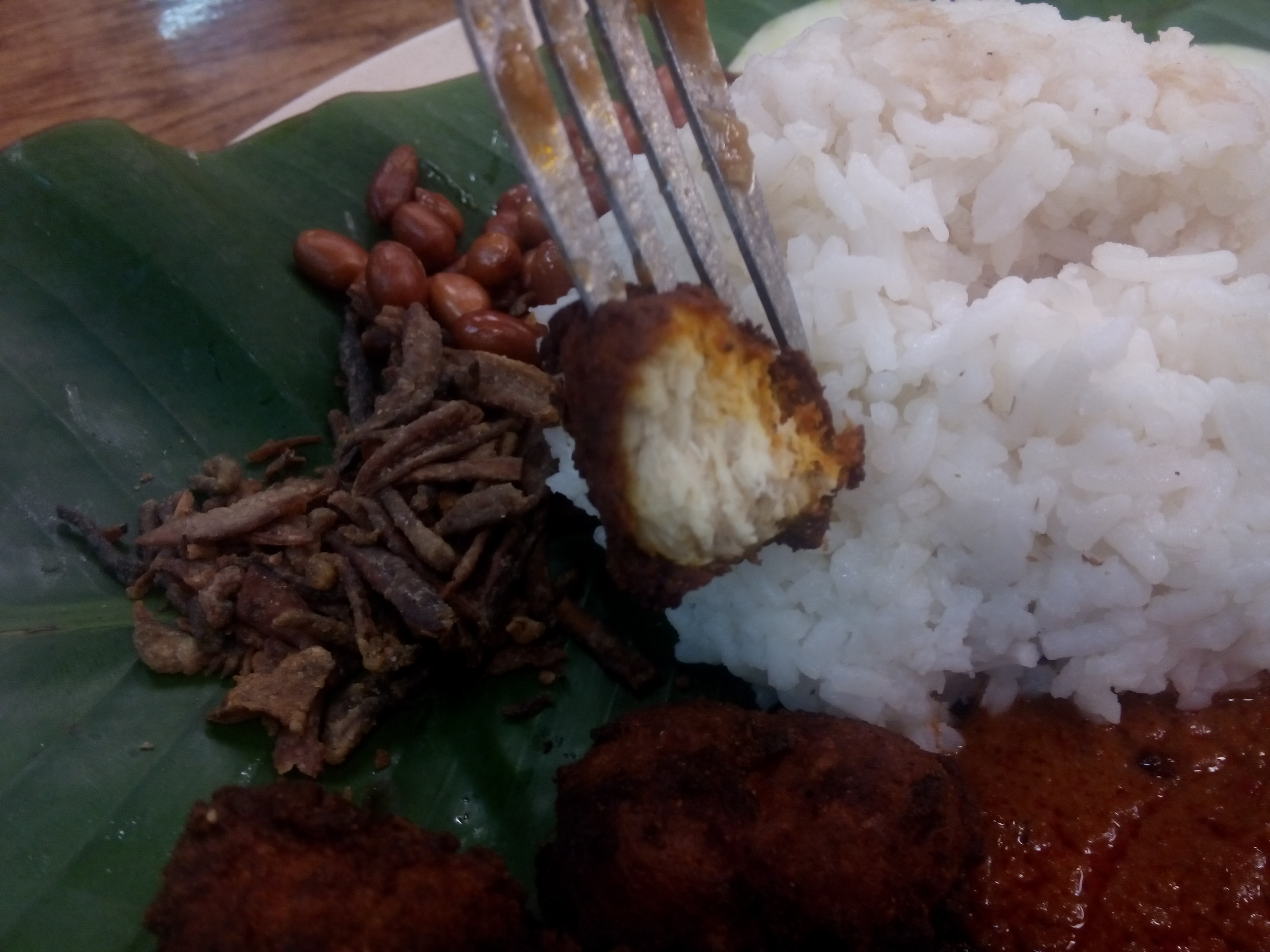 Close up of nasi lemak, rice and not-chicken