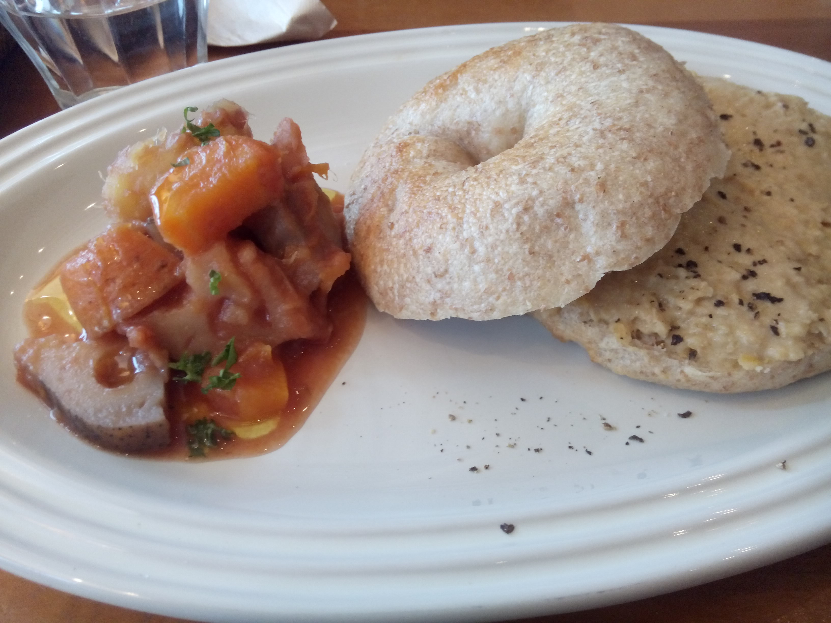 Hummus bagel