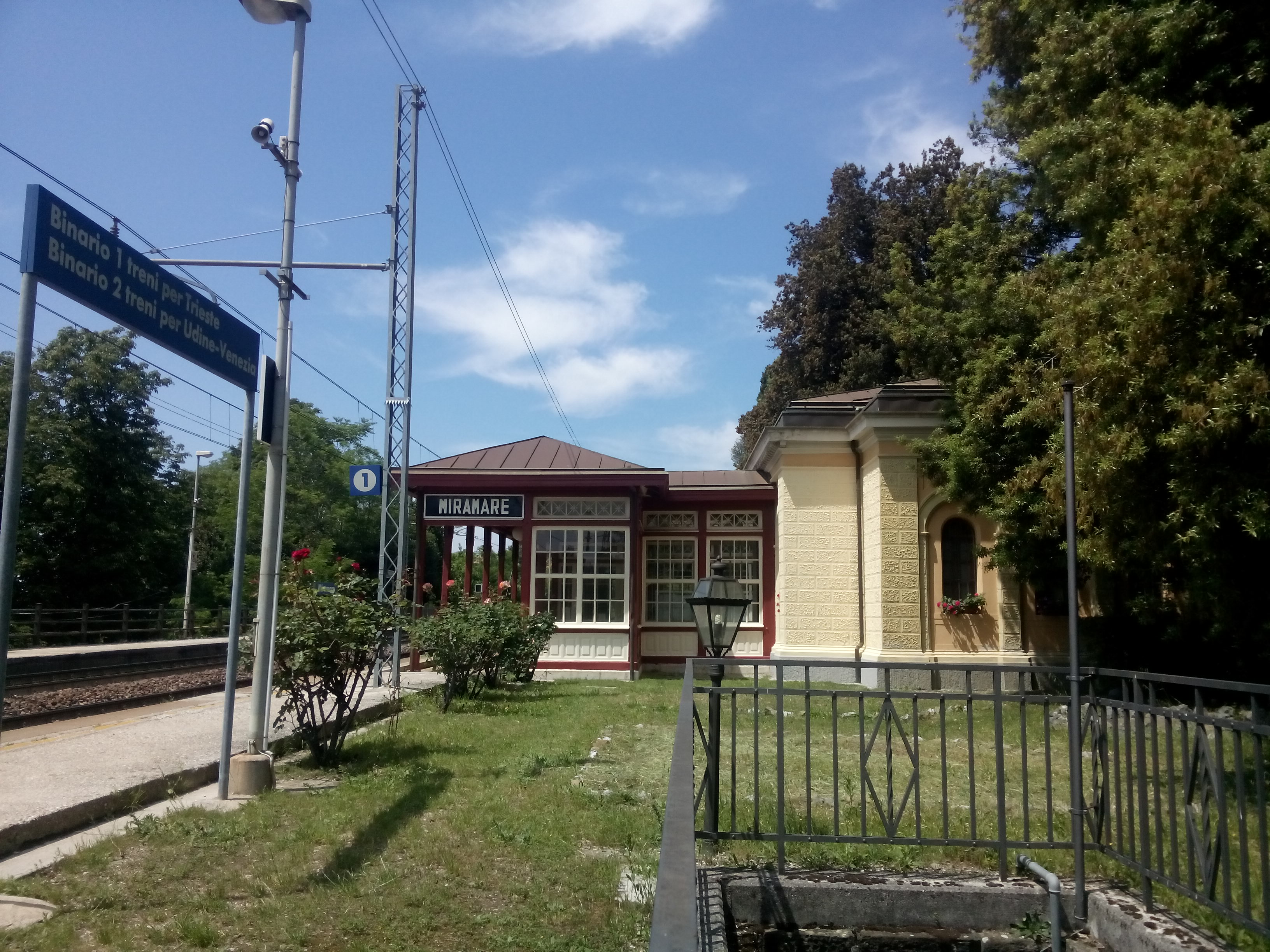 A train station with the sign Miramare